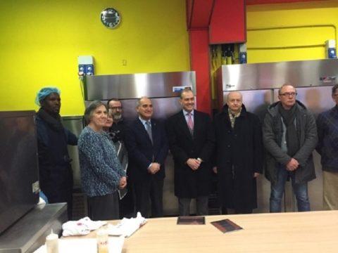 La mensa CARITAS può usufruire di due importanti attrezzature per il recupero dei pasti grazie al contributo del Rotary Club di Parma.